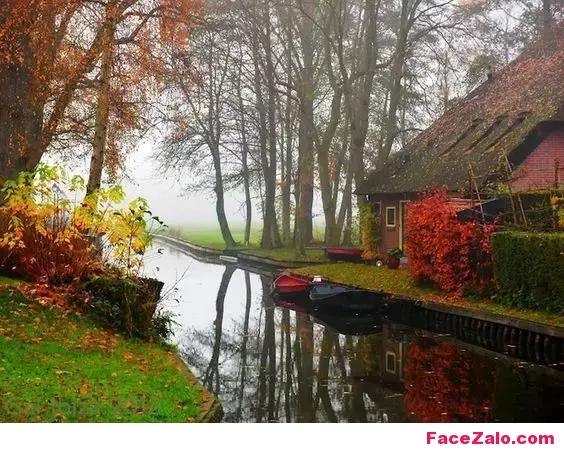"""Sương mù ẩn hiện giăng mờ khắp """"ngõ quanh"""". Thật là cảnh đẹp ảo diệu!!!"""